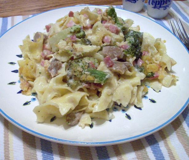 Rich and Cheesy Ham and Asparagus Noodle Casserole