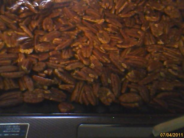 Gg's Roasted Spicy Pecans