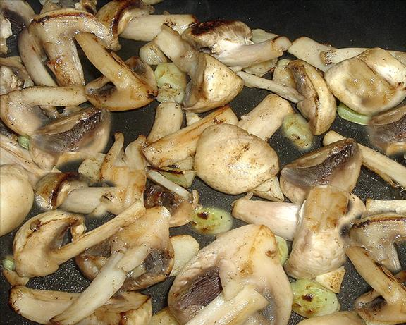 Champinones Al Ajillo ( Garlic Mushrooms)