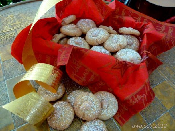 Arabian Gulf Shortbread Cookies (Ghiraybah)