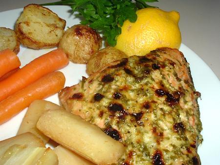 Grilled Salmon with Garlic & Lemon