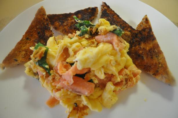 Lite Scrambled Eggs With Smoked Salmon