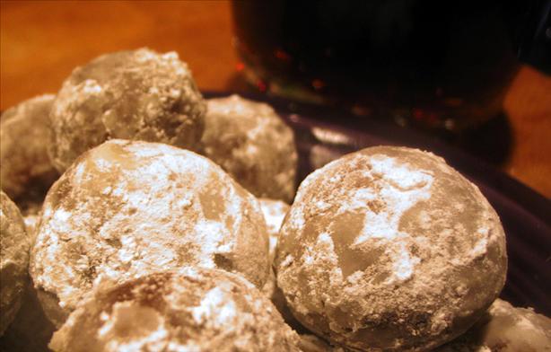 Chocolate Rum Balls (No-Bake)