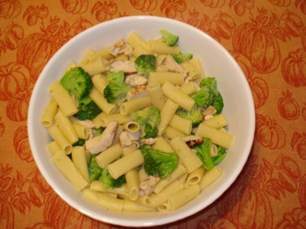 Broccoli Chicken Pesto Pasta
