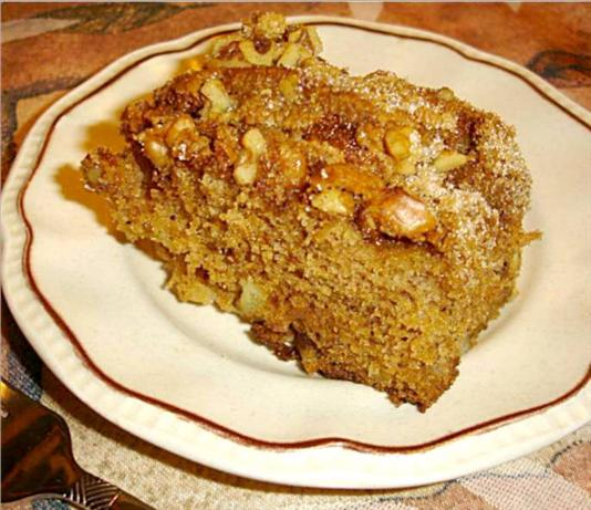 Fresh Apple Cake With Nut Topping