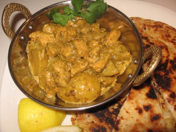 Murghi Aur Aloo ( Chicken and Potato Curry)