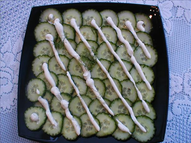 Cucumber Salad With a Creamy Dill Dressing