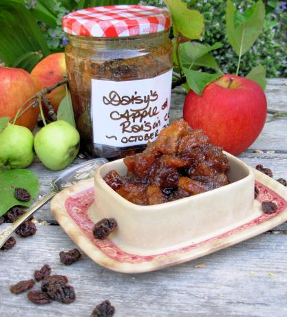 Apple and Raisin Chutney