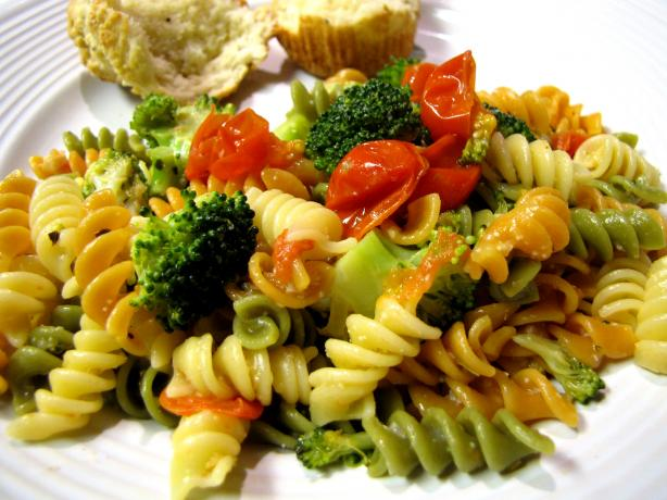 Spinach Pasta With Veggies and Parmesan