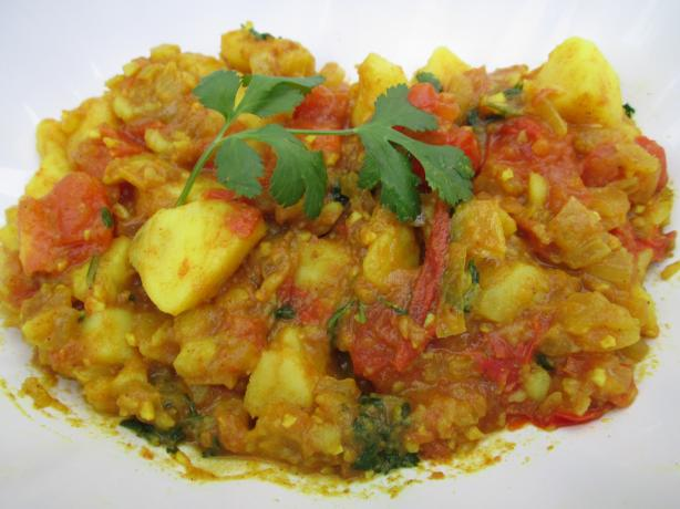 Potatoes With Garam Masala and Spicy Tomato