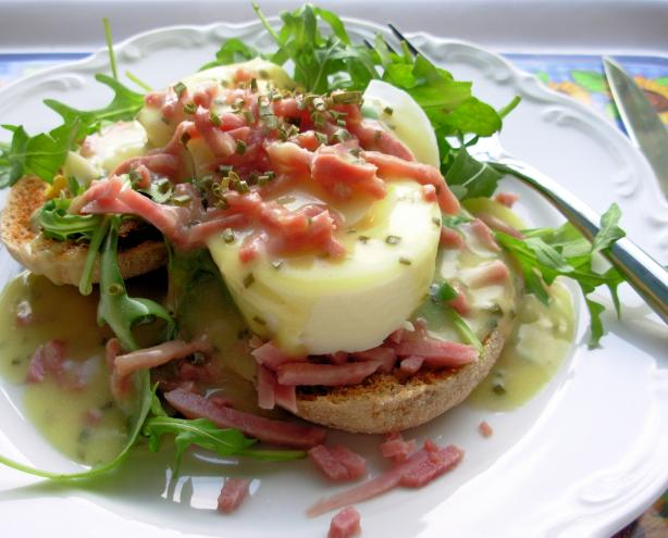 Quick California-Style Ham and Eggs Benedict