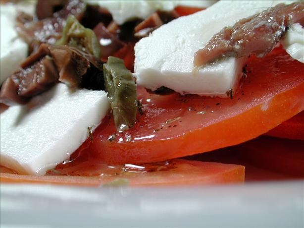 Domatosaláta Choriátiki (Greek Tomato Salad)