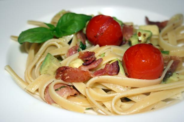 Fettuccine With Cherry Tomatoes, Avocado and Bacon