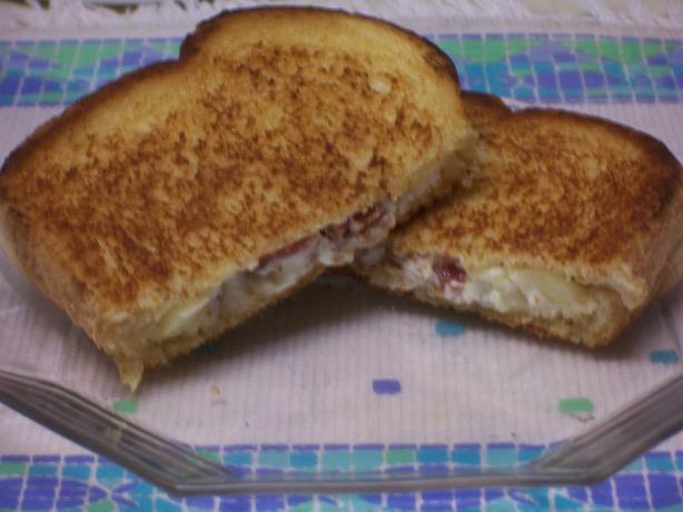 Grilled Apple, Cream Cheese, and Bacon Sandwiches