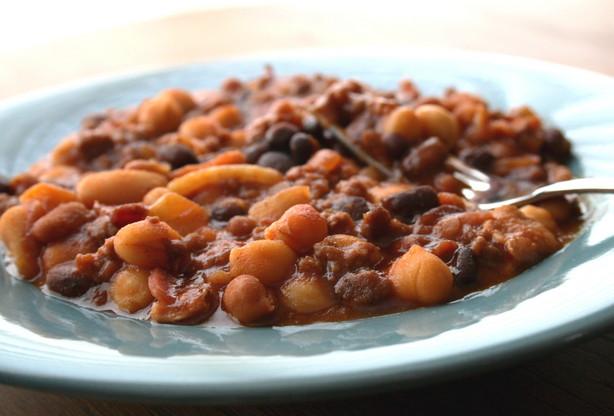 Crock Pot Baked Beans Bananza