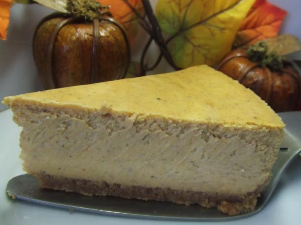 Rich and Creamy Pumpkin Cheesecake