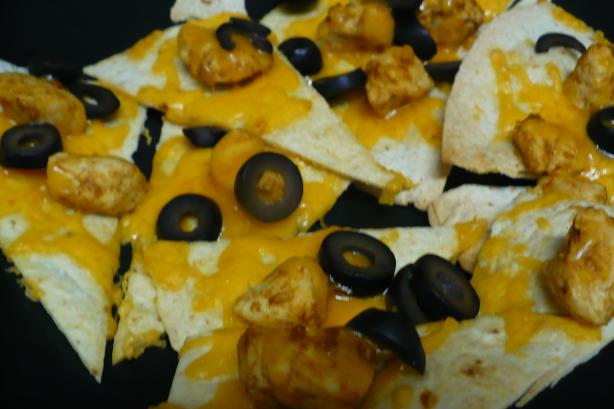 Super Bowl Easy Chicken or Beef Nachos