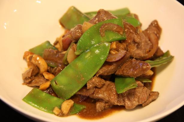 Stir-Fry of Hoisin Lamb With Cashews and Snow Peas