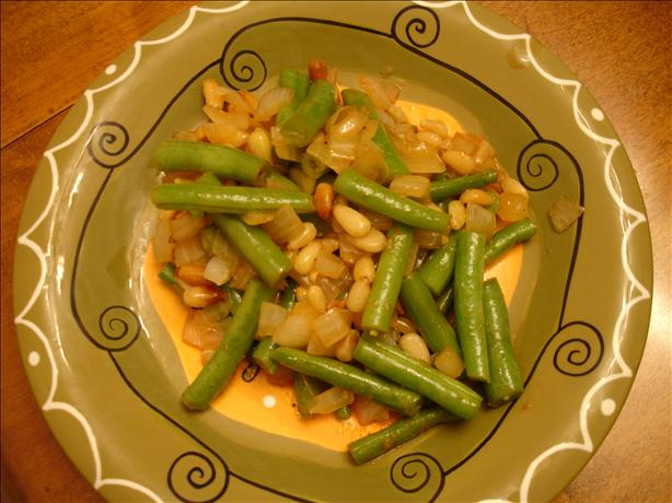 Stir-Fried Green Beans With Pine Nuts