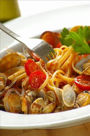 Spaghetti Alle Vongole (spaghetti With Clams)