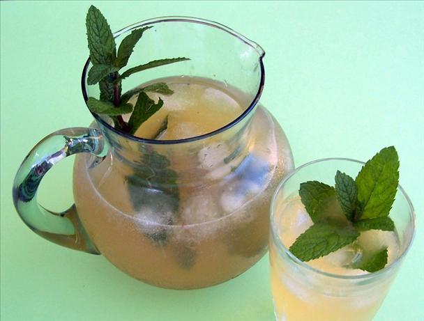 Fresh Mint and Ginger Lemonade