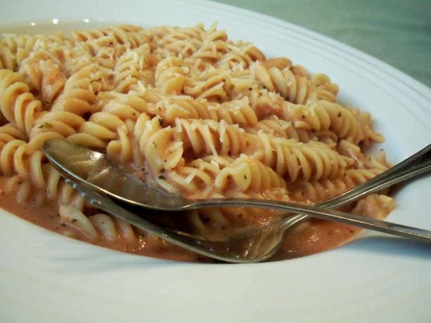 Pink Vodka Sauce With Pasta (Fast & Easy)