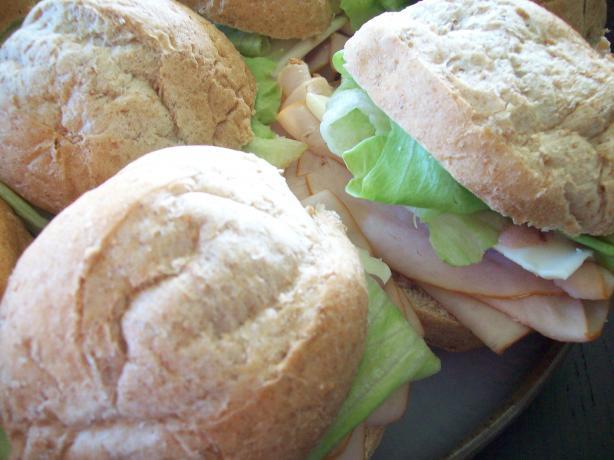 Turkey Sandwich With Cranberry Aioli (Low Fat)