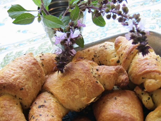 Garlic Basil Crescent Rolls- Homemade Gourmet