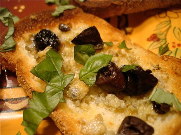 Gorgonzola and Kalamata Snack Toasts