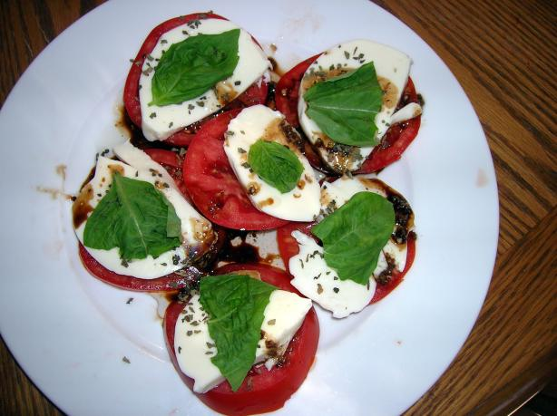 Wisconsin Fresh Mozzarella, Tomato and Basil Salad