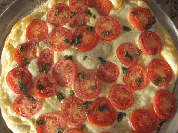 Provolone Pizza (Provolone, Roma Tomato & Fresh Basil Pizza)