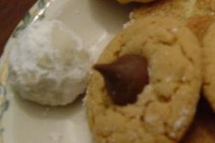 Linda's Butter Nut Balls - Christmas