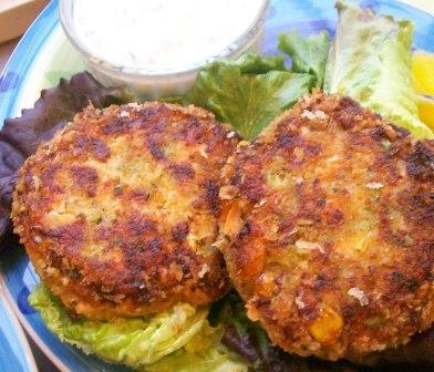 Salmon Patties/Burgers With a Yogurt Herb Sauce