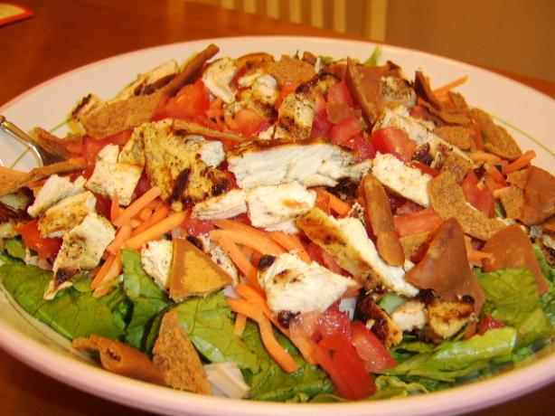Mediterranean Salad With Grilled Chicken Breasts