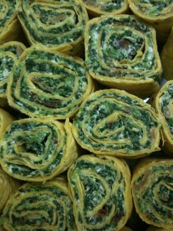 Easy Spinach-bacon Tortilla Roll-ups