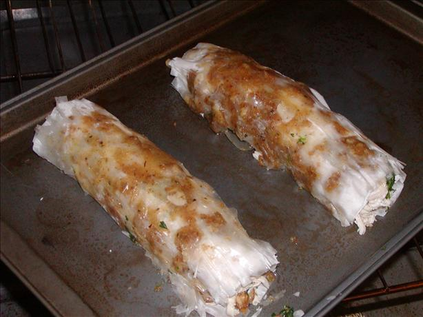 Phyllo Rolls Filled With Spinach and Chicken