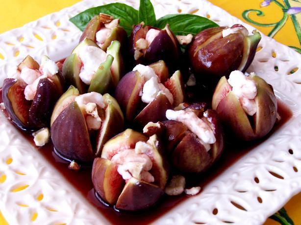 Figs With Goat Cheese and Port Syrup