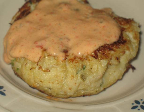 Crab Cakes With Roasted Pepper Remoulade Sauce