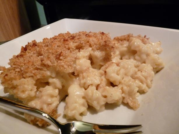 Auntie's Awesome Baked Mac N' Cheese (Light)