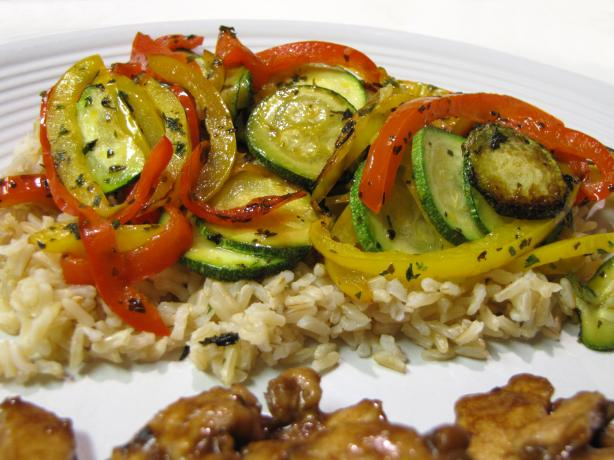 Easy Brown Rice With Peppers and Zucchini