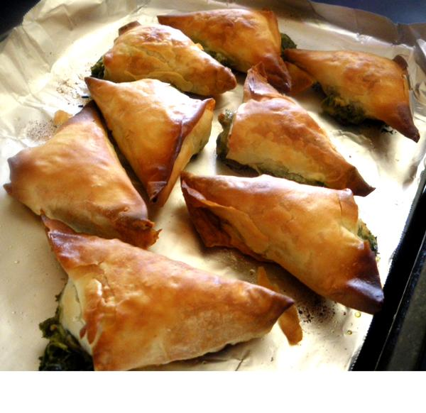 Mini Spanakopita (Greek Spinach Pies)