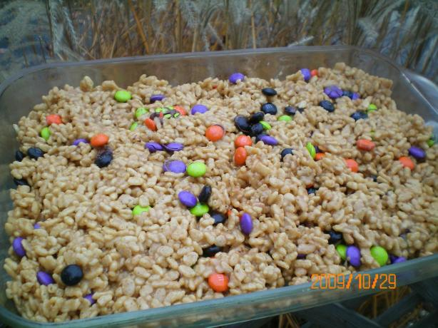 Peanut Butter Rice Krispies Bars (No-Bake)