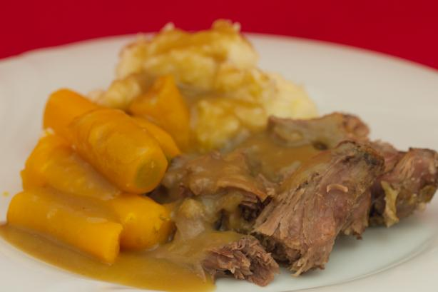Beef Pot Roast in Crock Pot / Slow Cooker