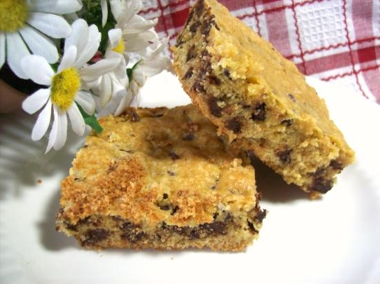 Lazy Chocolate Chip Cookie Bars (From Cake Mix!)