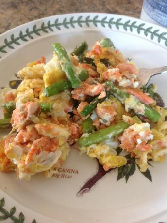 Scrambled Eggs With Smoked Salmon, Asparagus and Feta Cheese
