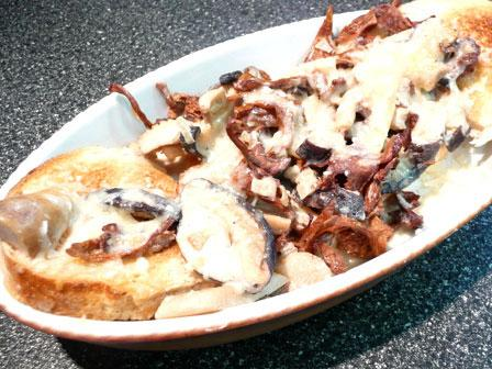 Croutes Aux Champignons (Mushrooms on Toast)