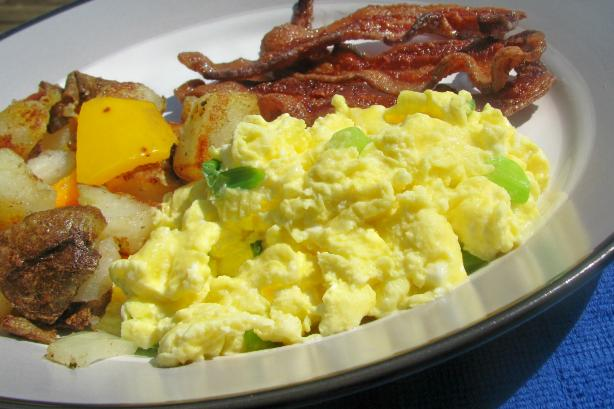 Green & White Scrambled Eggs - or Scrambled Eggs With Cream