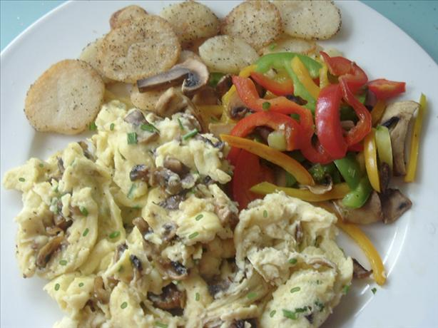 Scrambled Eggs with Mushrooms & Chives