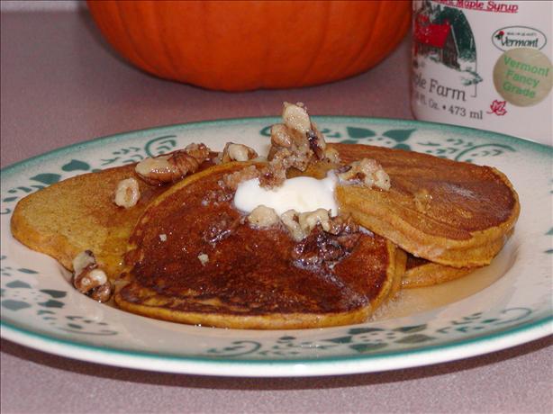 Fluffy Autumn Pun-Cakes! ( Pumpkin Pancakes )
