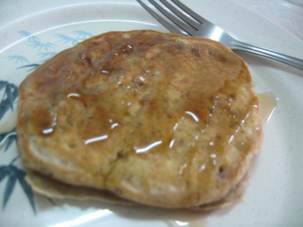 Vegan Banana-Pecan Pancakes